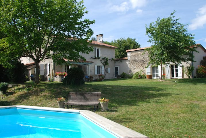 Farmhouse, with privacy in Dordogne - Lusignac - Rumah