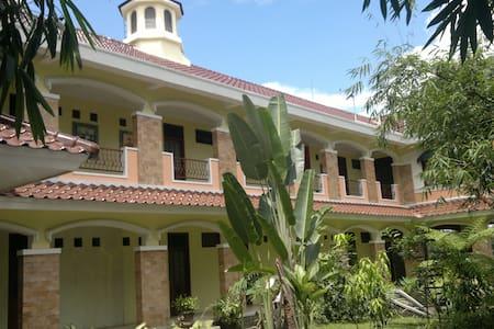 Villa Alicia : a villa in a village - ジョクジャカルタ