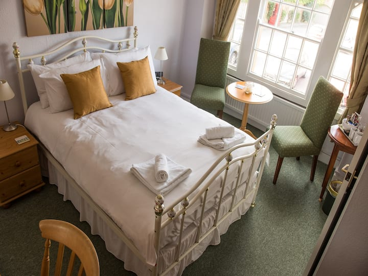 Phelips Arms Double Room