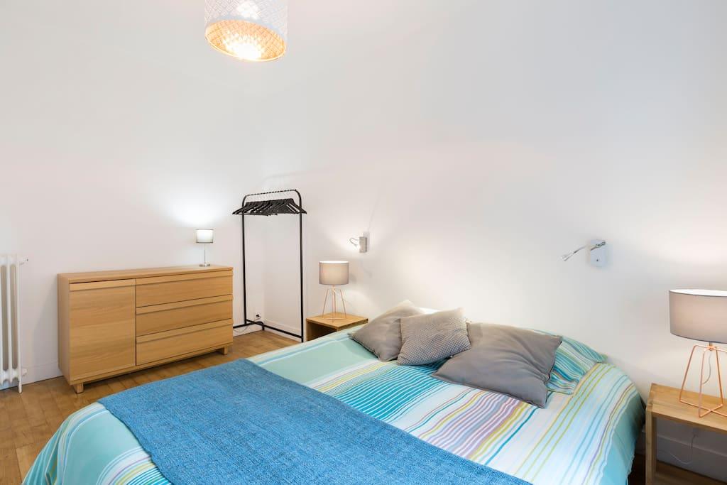 1ère chambre, lit 160x200cm