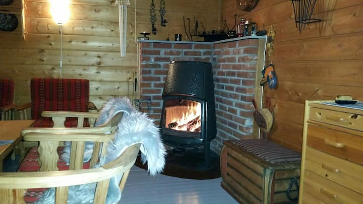 Cozy cottage & barrelsauna. Pets allowed. Rowboat