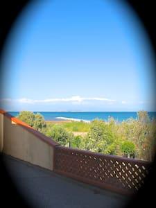 Sardinian Apartment Fun in the Sun  - La Maddalena - Huoneisto