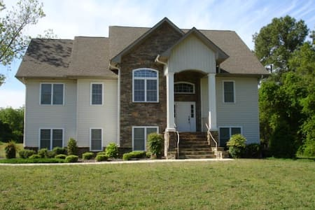 6BR/6BA Golf-front near PINEHURST! - Jackson Springs