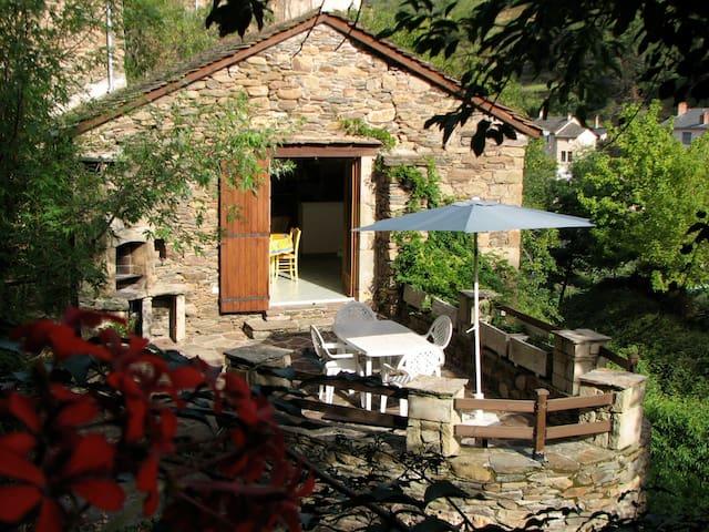 VACANCES DE RÊVE DANS L'AVEYRON - Brousse-le-Château - Casa