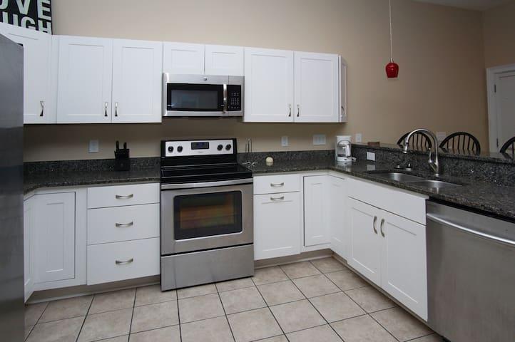 Microwave,Oven,Indoors,Room,Kitchen