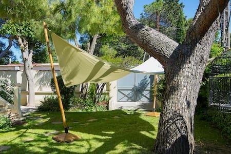 chambre climatisée avec jardin