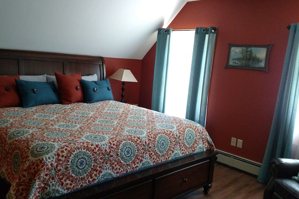 King Bedroom Upstairs