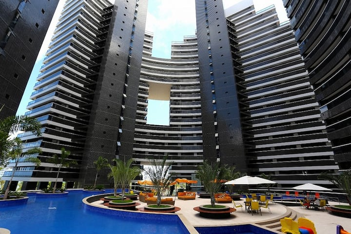Luxury 1BR Apt 1002 at Beira Mar