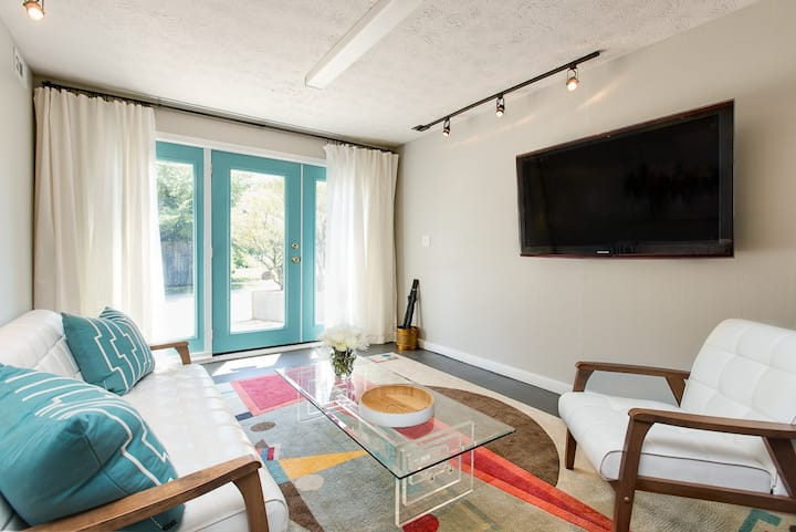 STAY LOCAL IN DECATUR - COMFY TWO BEDROOM