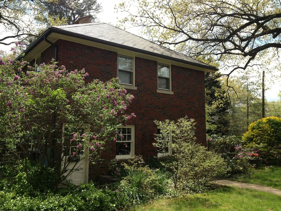 Charming 1 Br Apt In Carriage House Apartments For Rent In University Park Maryland United