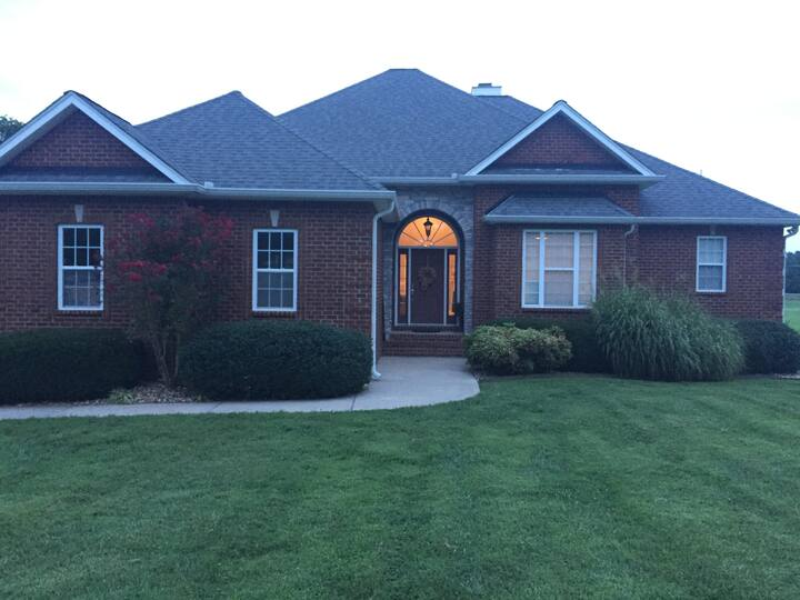Great home, just 10 minutes from Gallatin