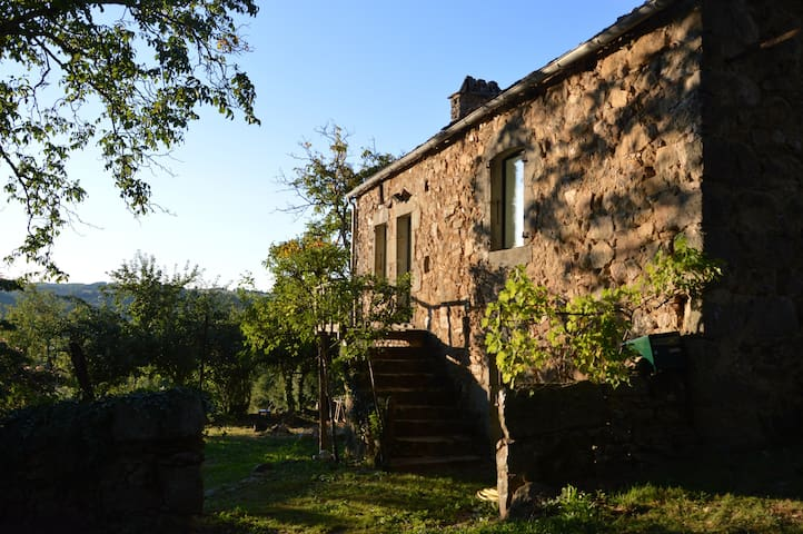 A charming house in the south - Saint André de Najac - Huis