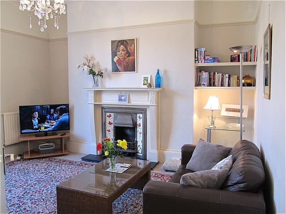 A glorious 1810 Georgian Townhouse apartment. Complimentary car parking and vintage charm. This is a spacious, sunny  apartment.