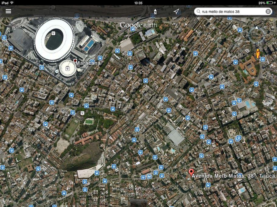 Proximidade com o Estádio do Maracanã, palco da grande final.