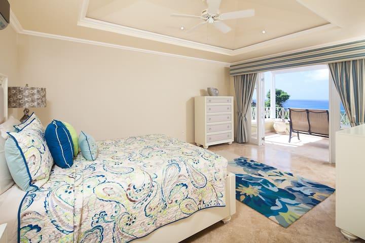 Monkey Hill Luxury  Villa, Sugar Hill, St James - Mount Standfast - วิลล่า