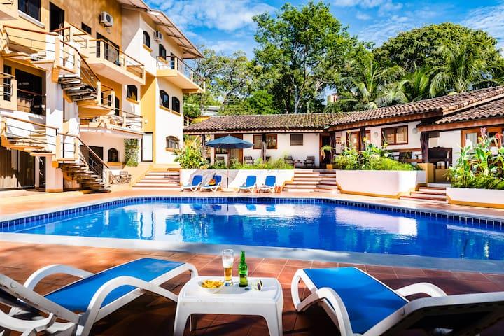 Studio (3ppl),wifi,kitchen,pool, close to beach- Casa Eleri