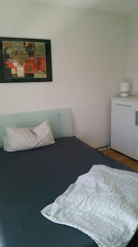 Renoviertes Zimmer Stadt-u. Messenah