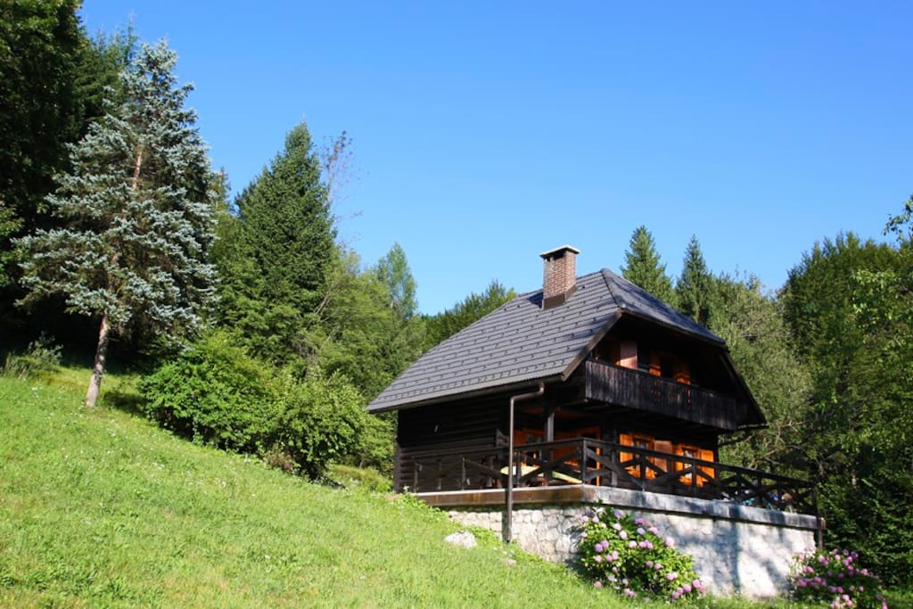 cottage in the woods chalets zur miete in bohinjska bistrica slowenien. Black Bedroom Furniture Sets. Home Design Ideas