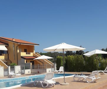 new townhouse for 4-6 pax. Sw.POOL. BEACH. Air/con - Pizzo - Квартира