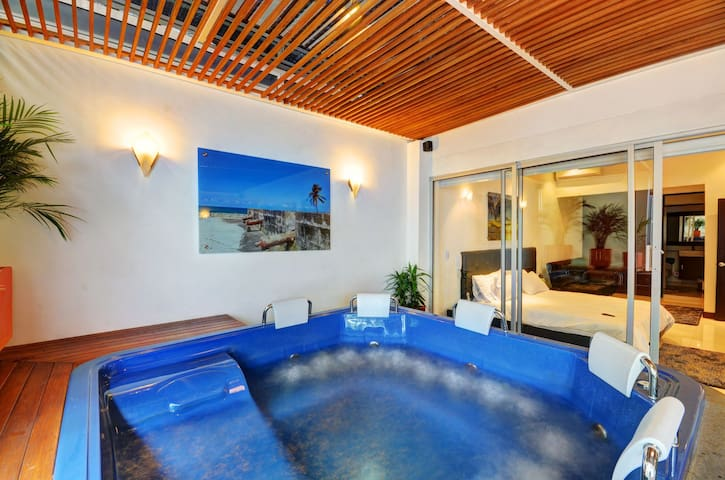 Superfly Penthouse with Jacuzzi! - Medellín - Appartement