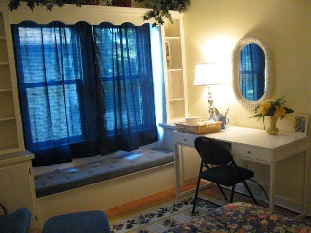 The Holly House - Blue Room