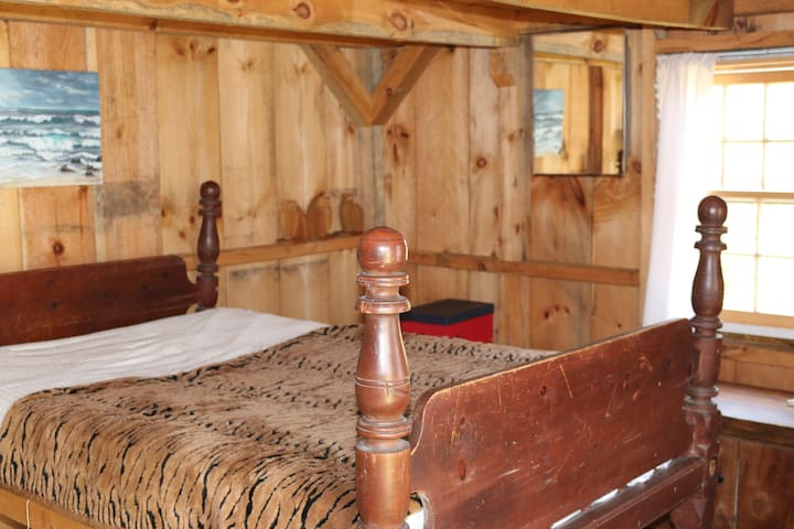 Country cabin separate from main house (off grid) - Oak Bluffs - Cabane
