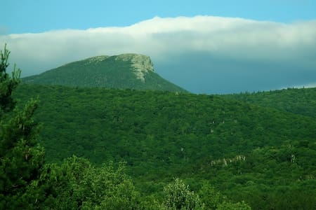 View of Camels Hump  - Huntington - บ้าน
