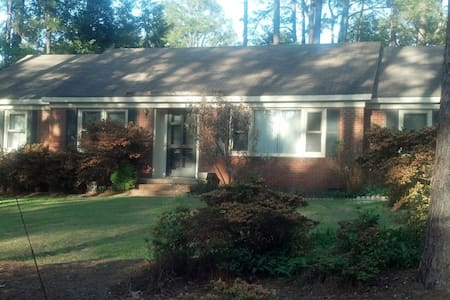 Master Bedroom w/ house access - Southern Pines - Casa