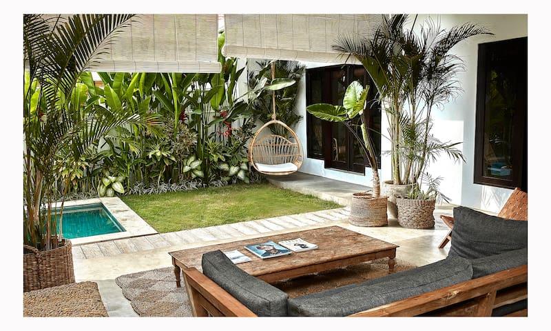 "Suite ""Satu"" in Design Villa Rice Field View Pool"
