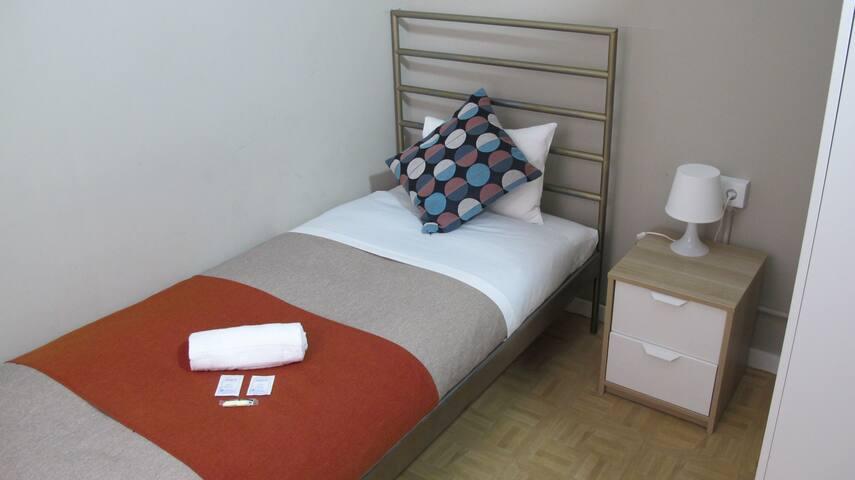 Single Room 3 min from Las Ramblas