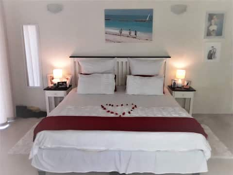 Comfortable Private Guestroom in Nature's Paradise