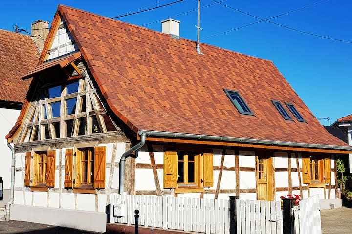 Une Maison à Colombages - Cosy, Lumineuse et Sauna