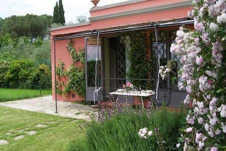 """Cottage """"La Limonaia"""" a Settignano - Firenze"""