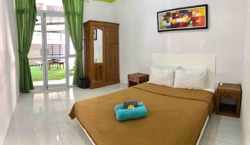 Guesthouse #4 Cheap & Cozy CANGGU !!! 70Mbps WiFi