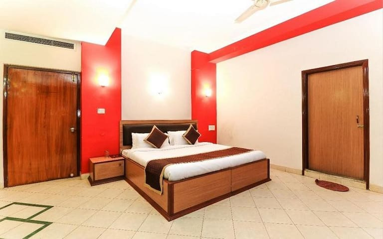 Accomodation only at Deluxe Room @ Jaipur