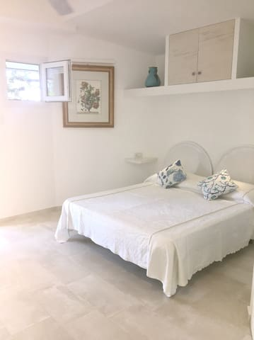 *BRAND NEW* Private room in complex with pool