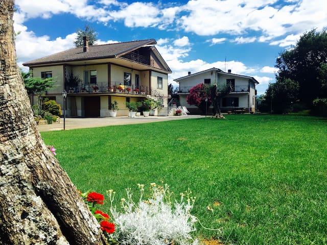 Villa indipendente arredata Alvito - Alvito - Apartment