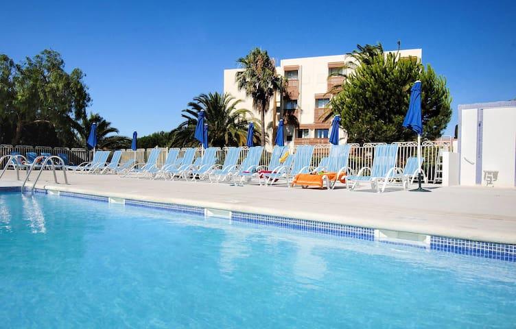 Appartement 4 personnes à 400 m d'une grande plage avec piscines, sauna, hammam