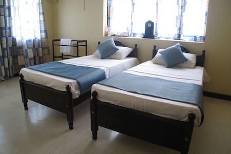 Delma Bungalow [Blue Breeze] - Colombo - Bed & Breakfast