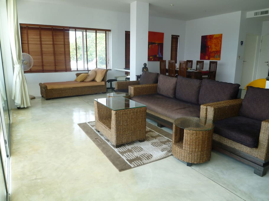 Large and spacious living room