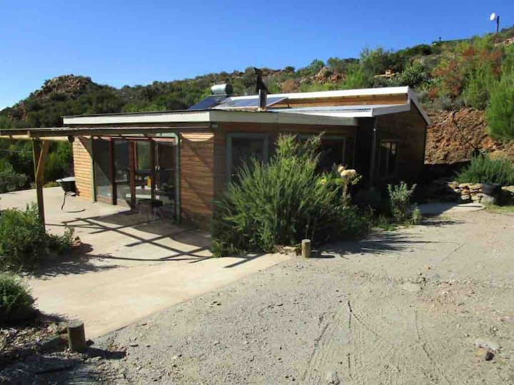 Rustic, off-the-grid house in the Klein Karoo