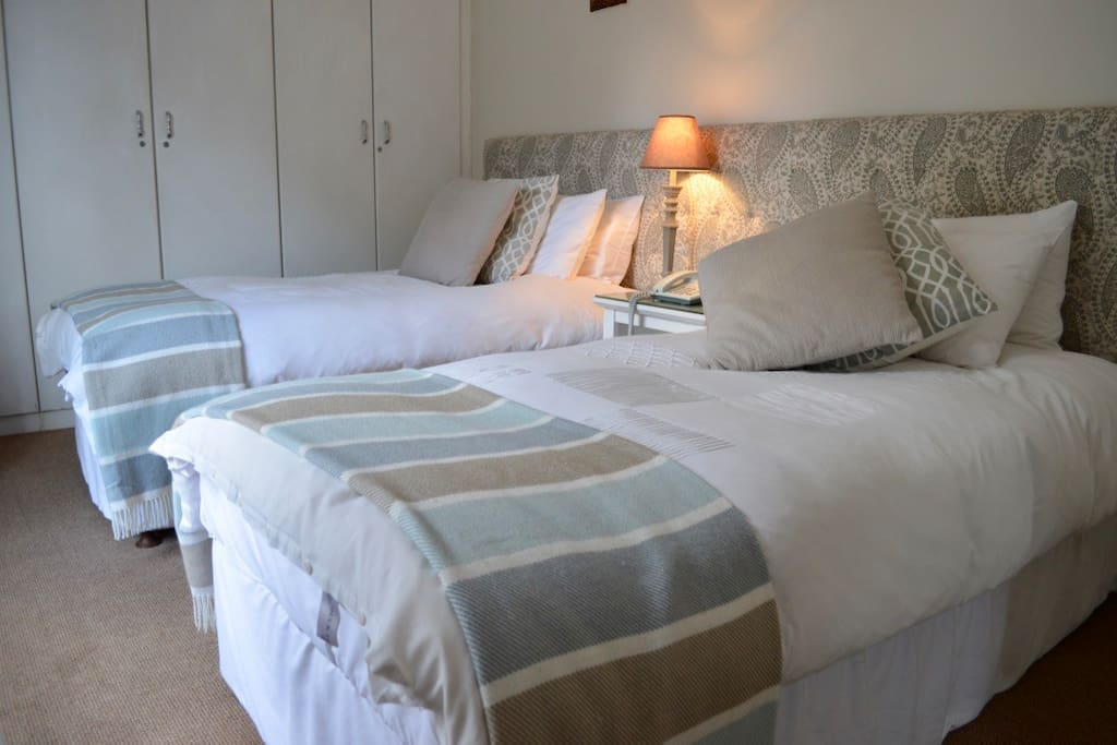 the Maple twin bed room