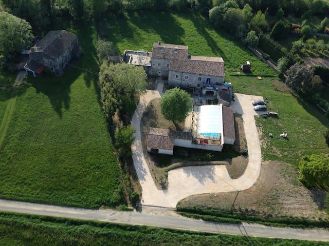 gite 8 pers proche rivière - Baix - House