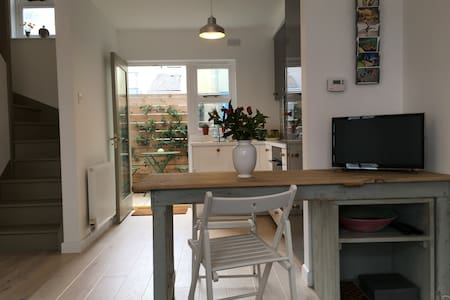 Contemporary Cottage - Tenby - Tenby - Rekkehus