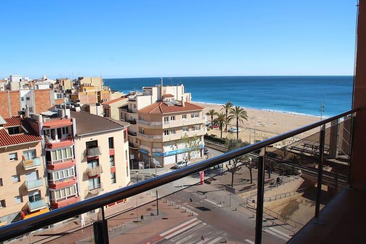 Apartamento en primera linea de mar - Calella - Pis