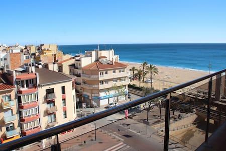 Apartamento en primera linea de mar - Calella - Apartemen