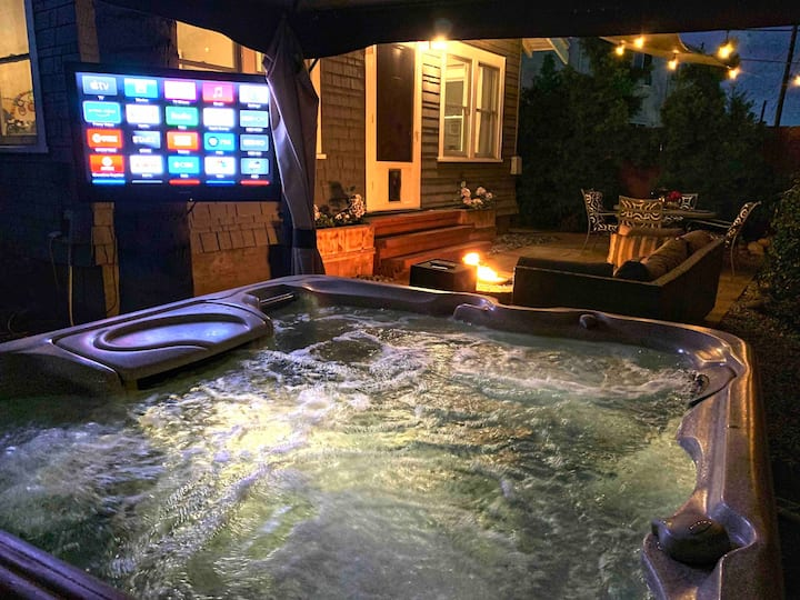 Relax in Stylish residence w/Jacuzzi in North Park