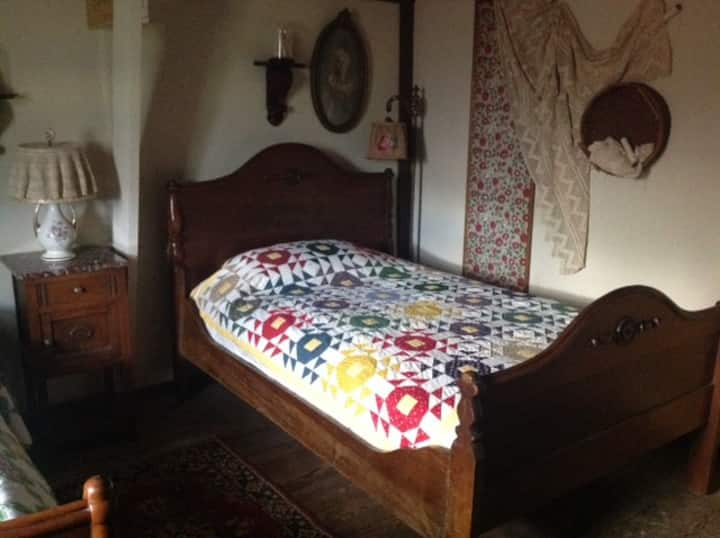 Old Country Room