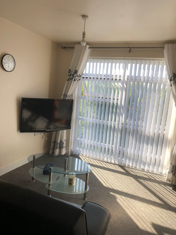 Quiet and Comfy 1 bedroom apartment in Salford