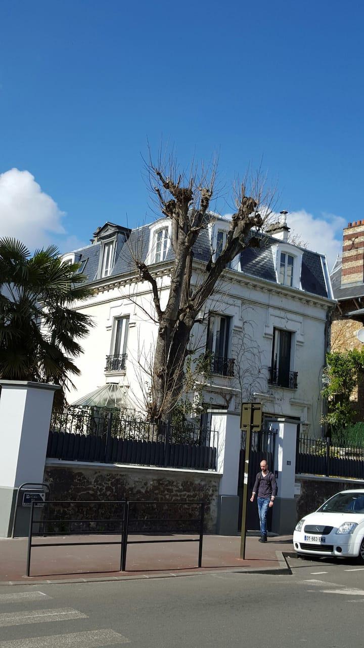 Chambre 20 m2 calme 10 mn de Paris